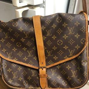 Louis Vuitton Saumur bag 35 🌞🌝💐